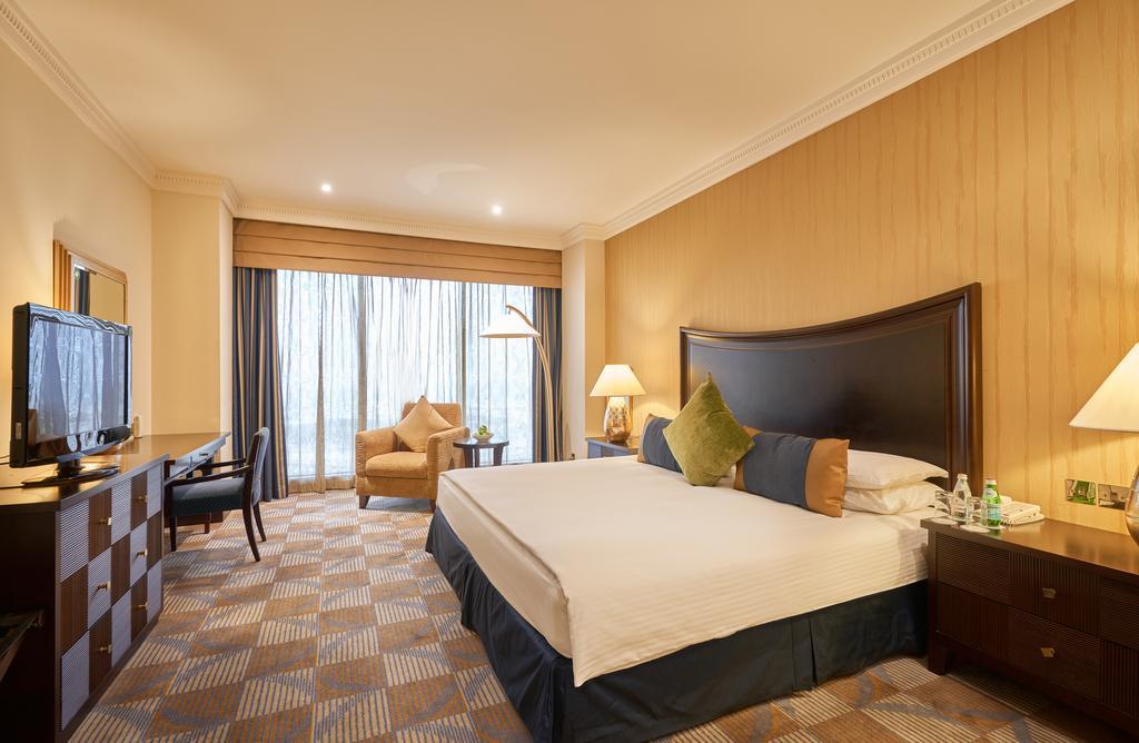 The Diplomat Radisson BLU Hotel, Residence & Spa-6 of 31 photos