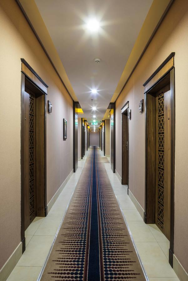 جلوريا ان الرياض-6 من 20 الصور