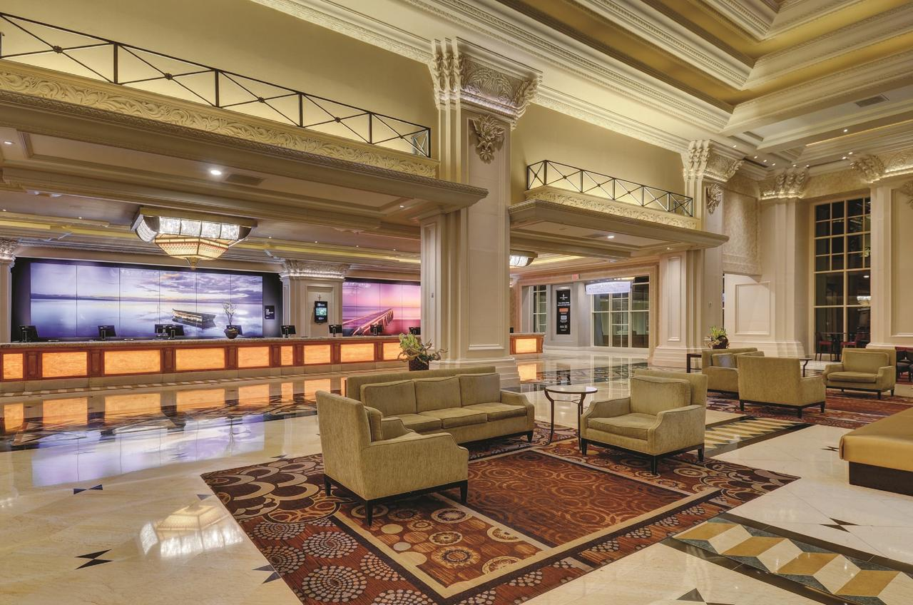 Book Mandalay Bay Las Vegas Book Now With Almosafer