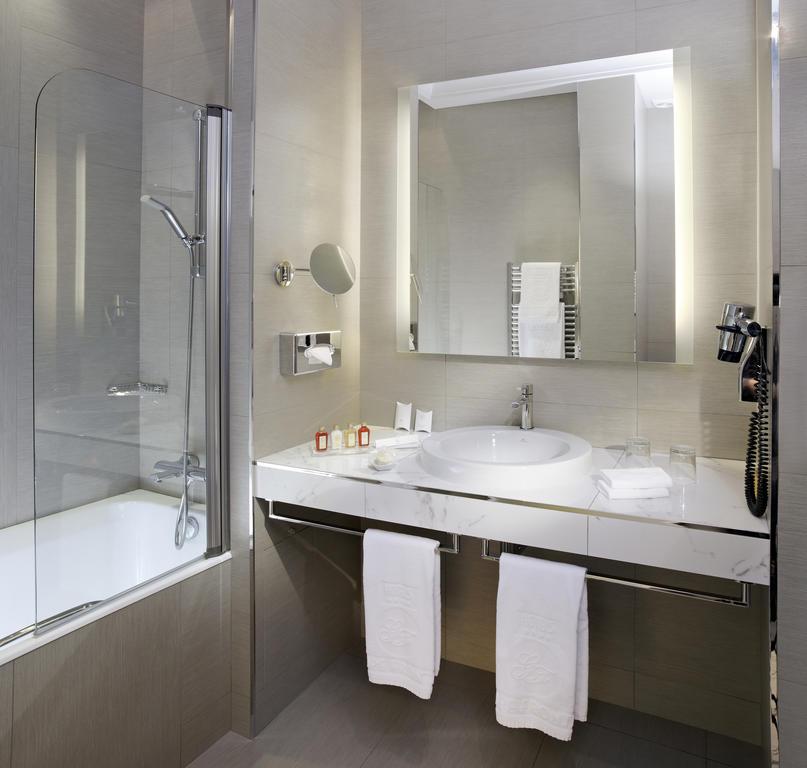 Splendid Etoile Hotel-29 of 33 photos